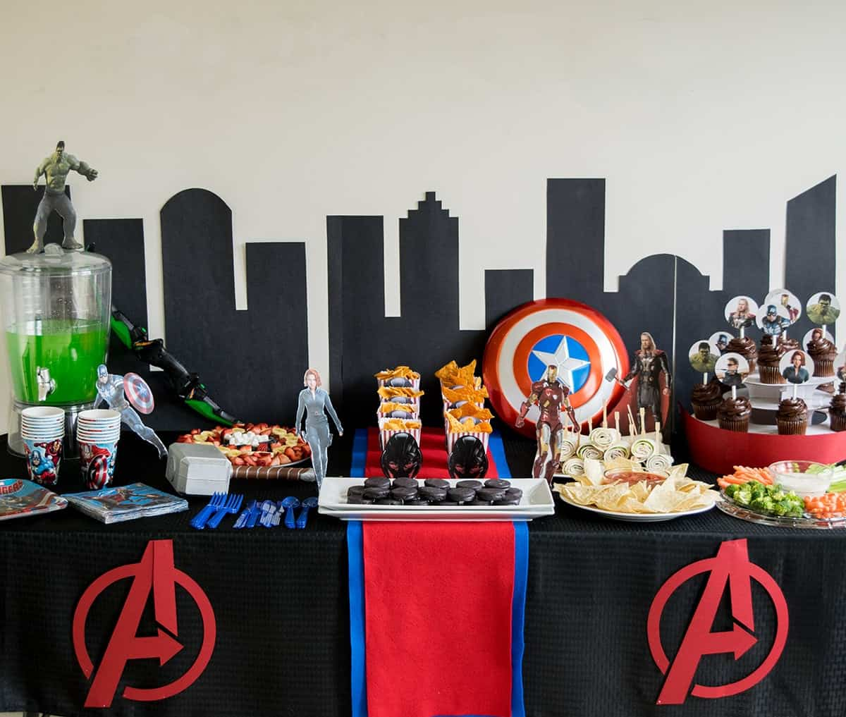 Avengers Birthday Party Table