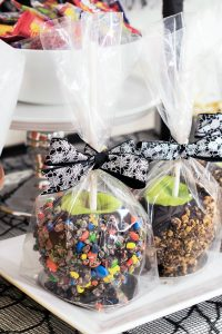 How to Make Gourmet Chocolate Candy Apples