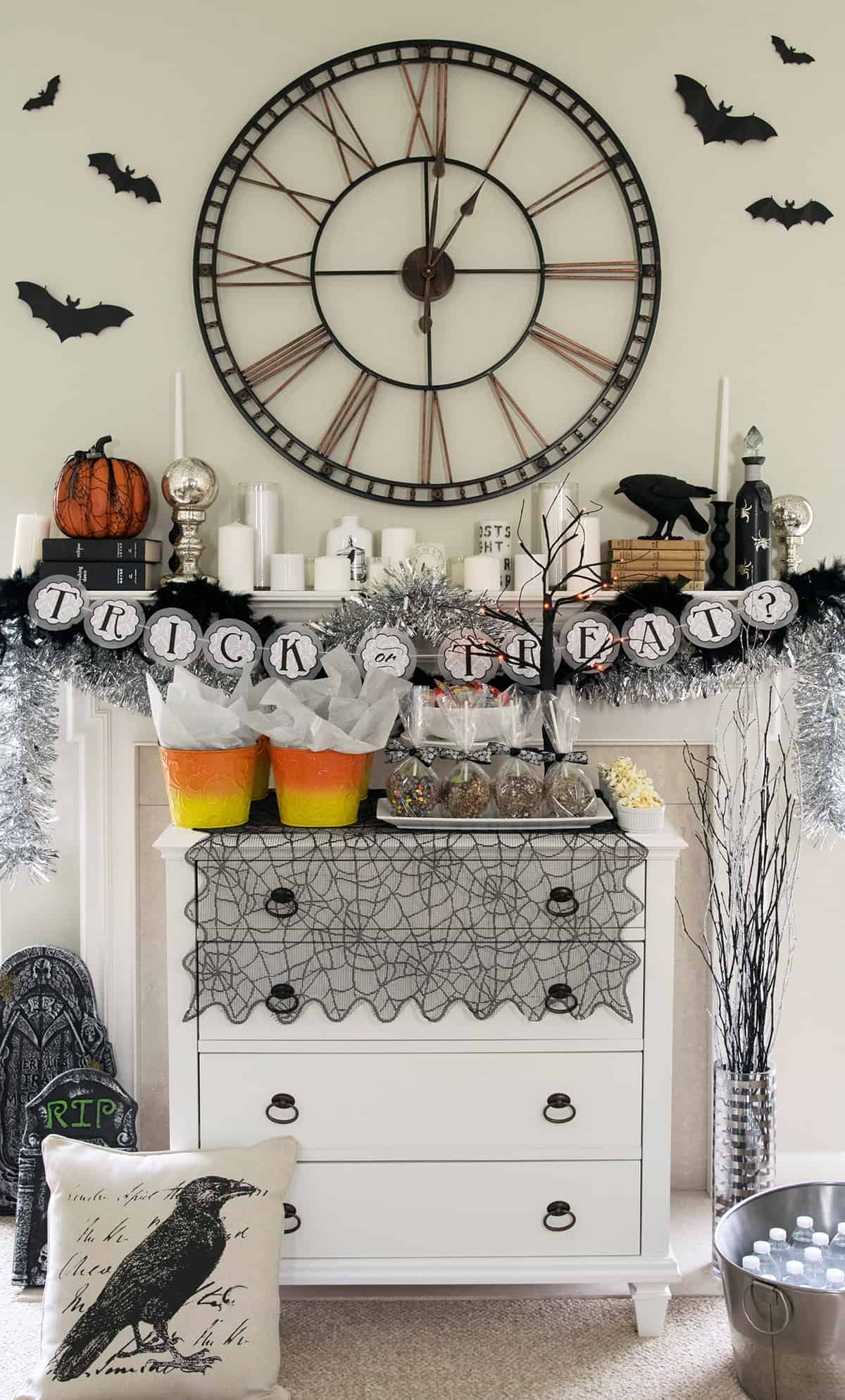 Halloween Party Decorations - this treat table is so cute! DIY favors for friends to trick or treat themselves.