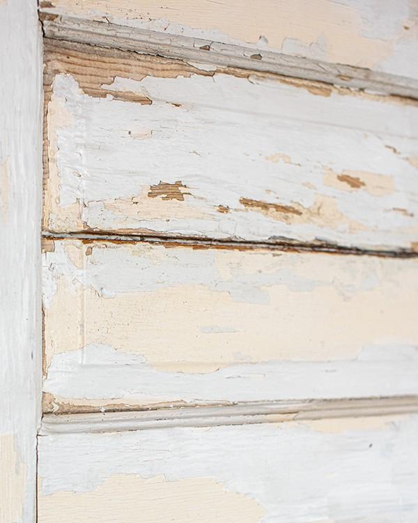 Antique chippy paint door texture.