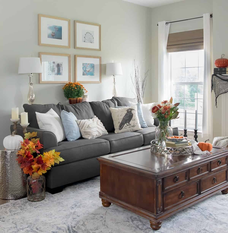 Fall traditional living room decor