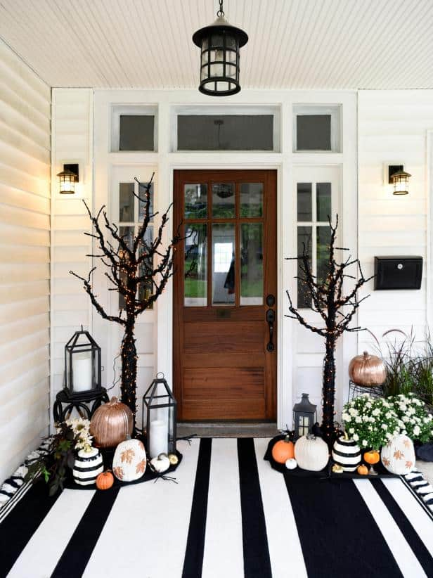 Halloween Porch Decorating Ideas | Craving Some Creativity