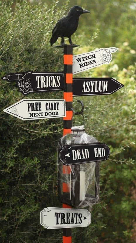 DIY halloween decorations - sign for parties