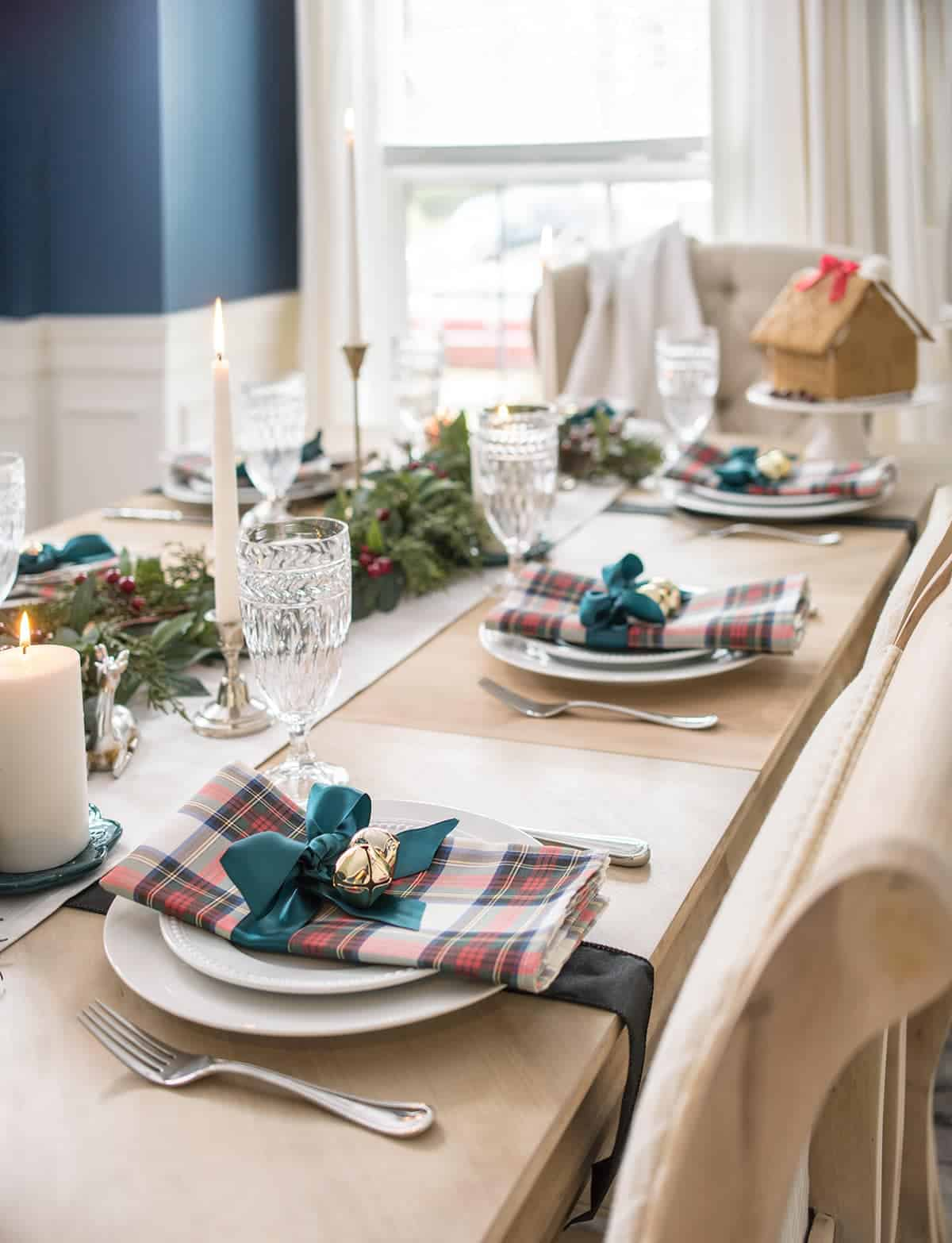 Christmas Plaid Table Settings - scottish tartan