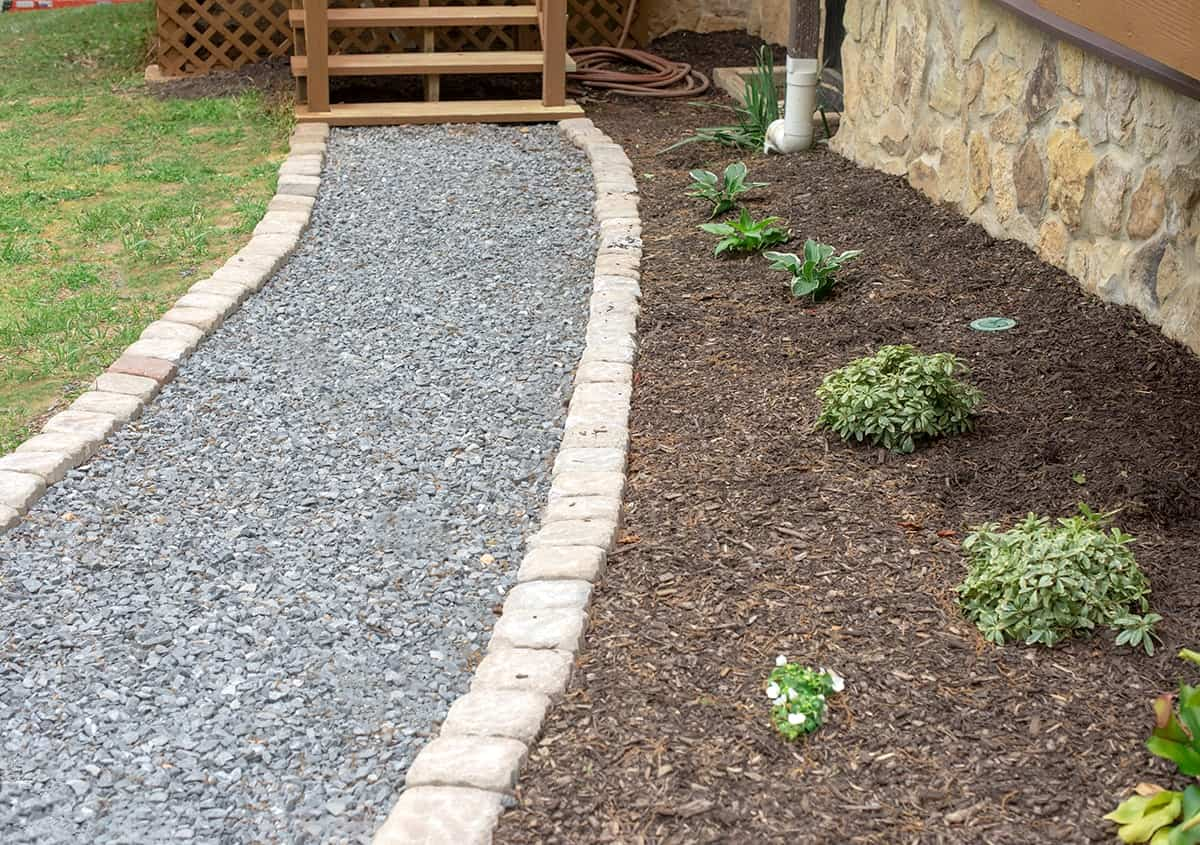 Gravel path in front of house walkway ideas